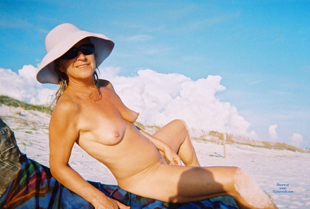 Pic #1Slut Linda For Your Pleasure - Beach, Medium Tits