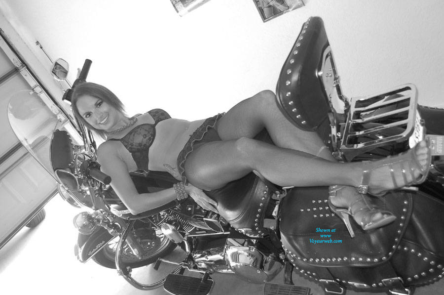 Alicia on My Harley - Sexy Lingerie , Shooting Alicia On My Harley