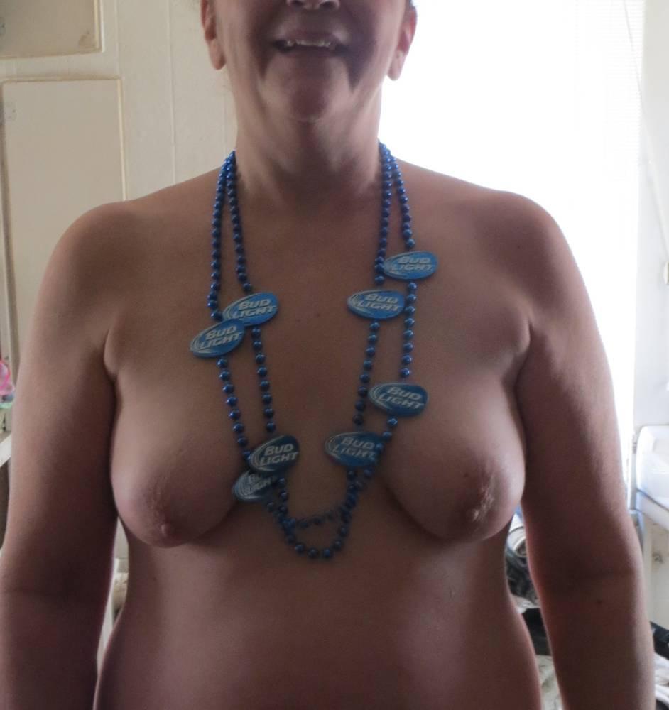 Pic #1My small tits - Katy