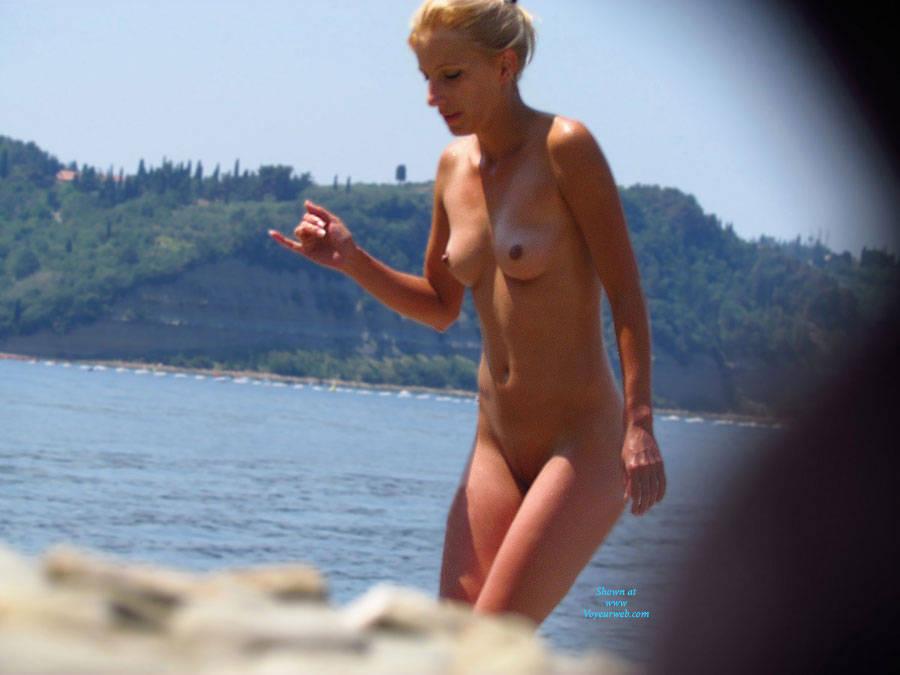 Pic #1Blonde - Beach, Blonde
