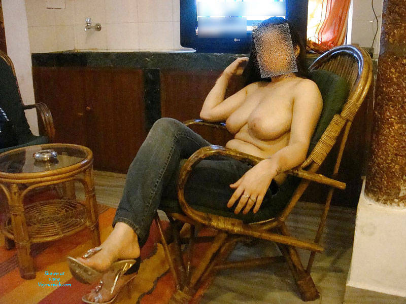 Pic #1Nude Indian Girl - Big Tits, European And/or Ethnic