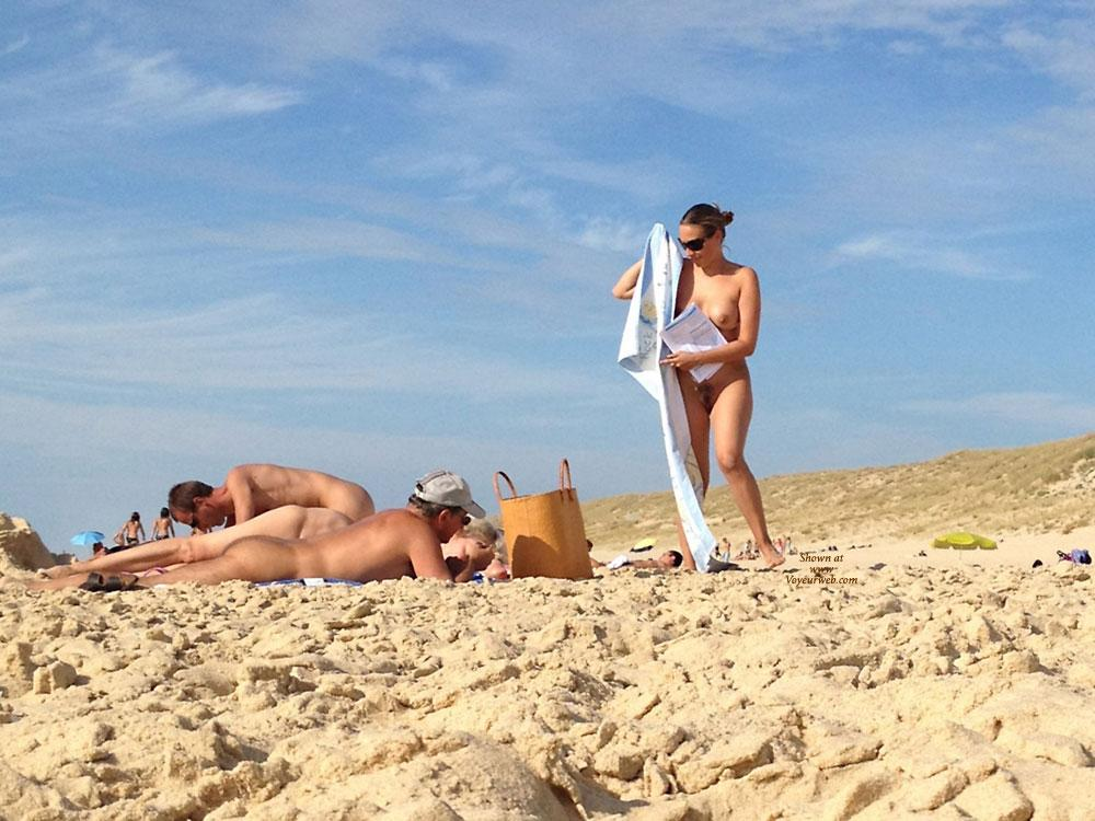 Pic #1Playing et The Nude Beach Part 2 - Beach