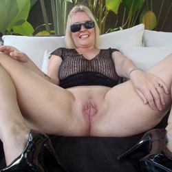 Blonde's Pink Pussy Lips - Big Tits, Blonde Hair, Hanging Tits, Heels, Huge Tits, Large Breasts, No Panties, Pussy Lips, See Through, Shaved Pussy, Spread Legs, Hairless Pussy, Sexy Boobs, Sexy Face, Sexy Legs, Sexy Woman, Face Sitting , Face Sitting, Blonde, Legs, Pussy Lips, Shaved Pussy, See Through, Big Tits, Sunglasses
