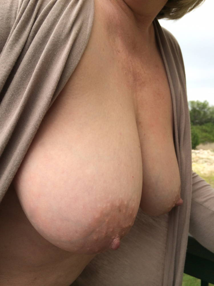 Pic #1Very large tits of my wife - Janusa