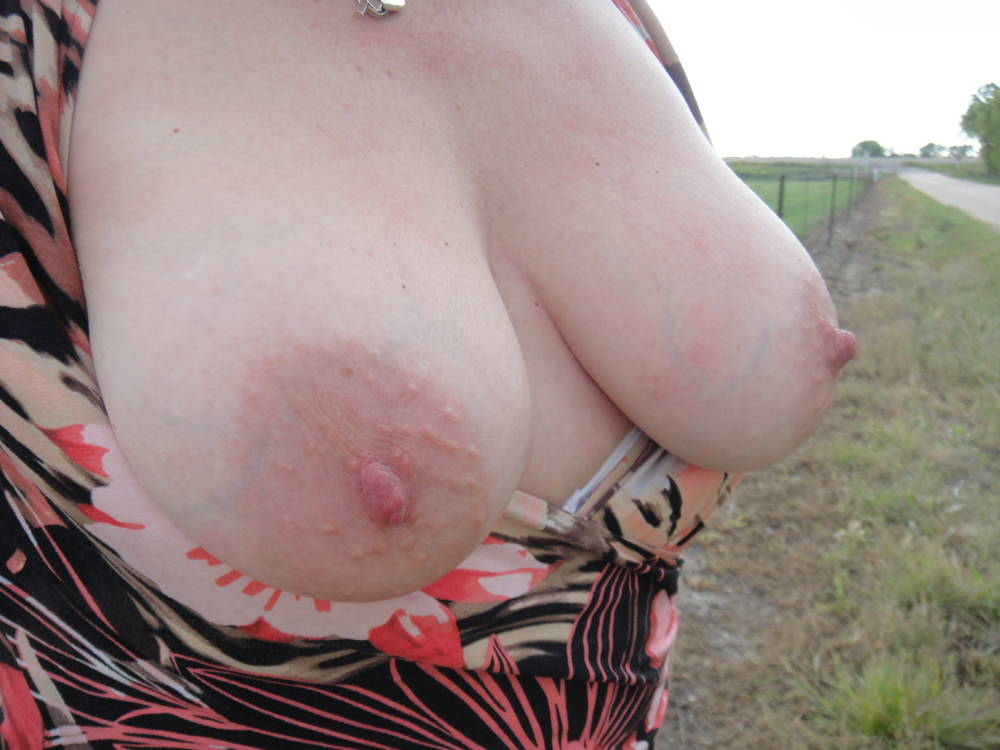 Pic #1Large tits of my wife - Janusa
