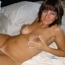 Teasing Mature On Bed Waiting - Bed, Big Tits, Brunette Hair, Full Nude, Hanging Tits, Milf, Naked In Bed, Nipples, Shaved Pussy, Short Hair, Showing Tits, Hairless Pussy, Hot Girl, Sexy Body, Sexy Boobs, Sexy Face, Sexy Legs, Sexy Woman , Mature, Brunette, Naked, Bed, Piercing, Big Tits, Legs