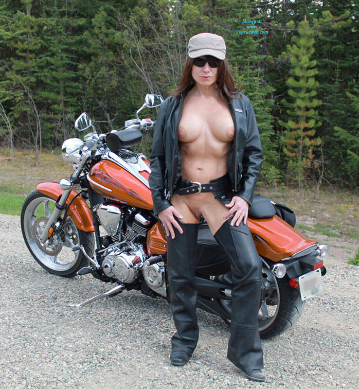 Young biker chick naked pity