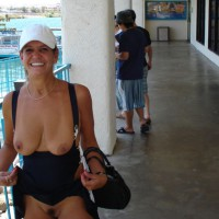 Flashing Tits And Pussy - Flashing Tits, Flashing, Natural Tits, Trimmed Pussy , Black Purse, White Baseball Cap, Public Flash, Downshirt, Black Dress, Outdoor, Mature, Large Natural Tits