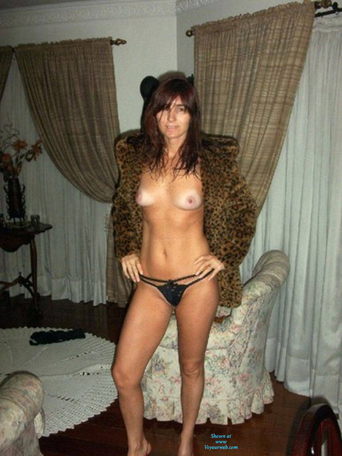 Pic #1Cold Night - Brunette, High Heels Amateurs, Striptease