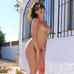 A Sunny Day - Big Tits, High Heels Amateurs, Brunette