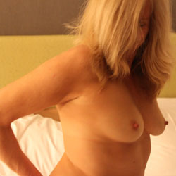 Big Tits Blonde On Bed - Bed, Big Tits, Blonde Hair, Erect Nipples, Firm Tits, Hard Nipple, Huge Tits, Large Breasts, Naked In Bed, Nipples, Perfect Tits, Showing Tits, Hot Girl, Sexy Boobs, Sexy Woman , Blonde Girl, Big Tits, Nipples, Bed, Sexy