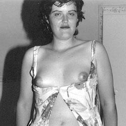 Zara Bush Posing Naked For The First Time - More 01 - Brunette, Gf, Bush Or Hairy