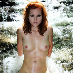 Amy Nude Outdoors