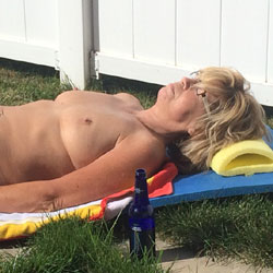 Catching The Last Rays Of Summer - Blonde, Mature