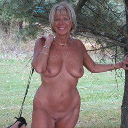Hotandsexydi - Beautiful Fall Day - Big Tits, Blonde, Shaved