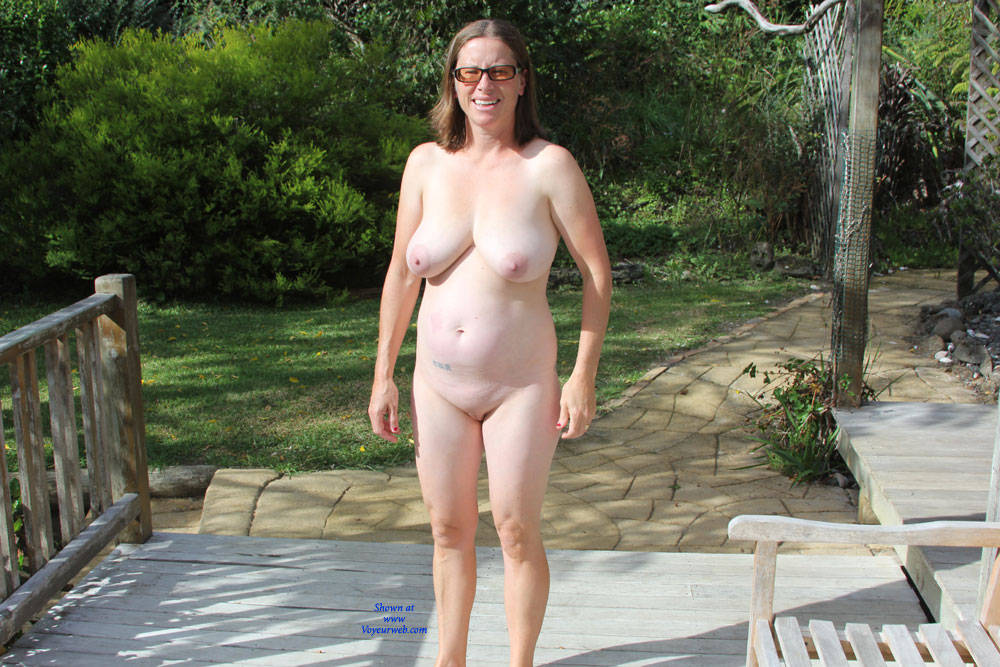Girls nude body parts