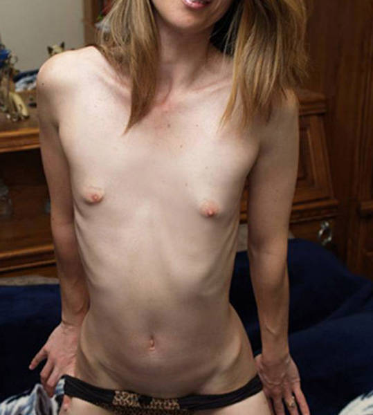 Small tit housewife