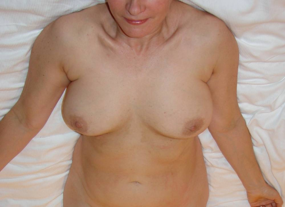 Pic #1Medium tits of my wife - thora
