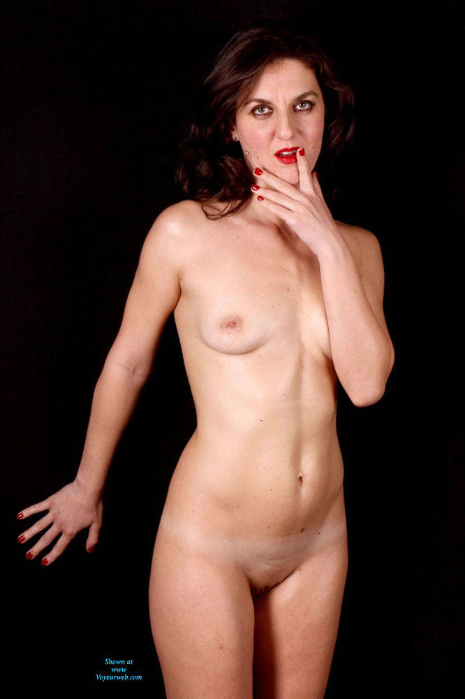 Shooting - Brunette Hair, Natural Tits, Shaved, Small Tits , Brunette, Natural Tits, High Heels, Shaved Pussy.