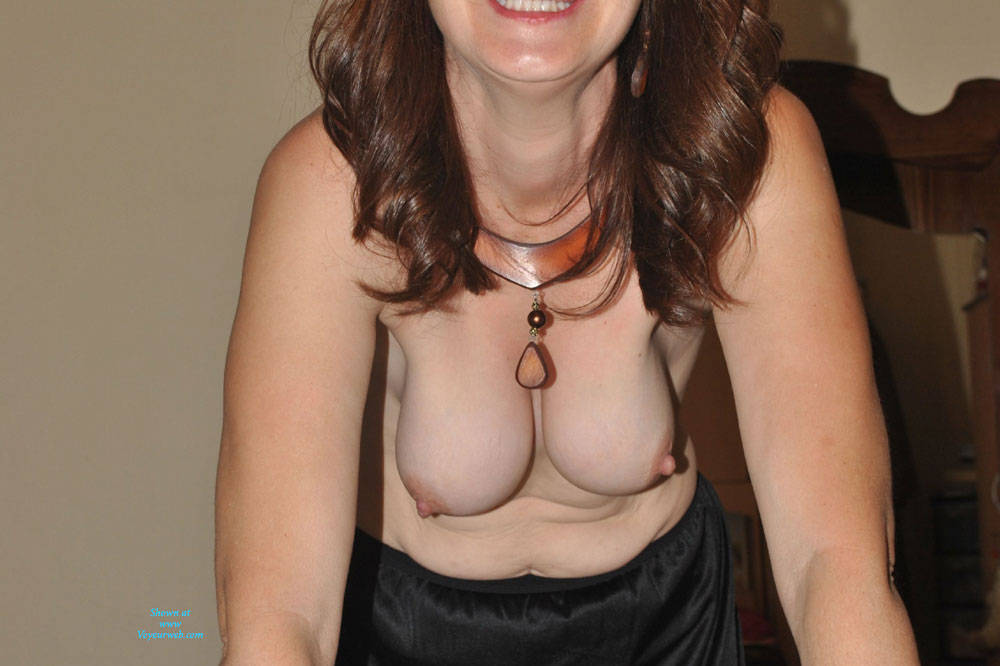 Topless At Home - Big Tits , Sexy Brunette, Natural Tits, Amateur, Nude,