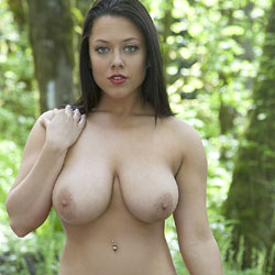Rebel Sue With love - Shaved, Nature, Brunette, Big Tits