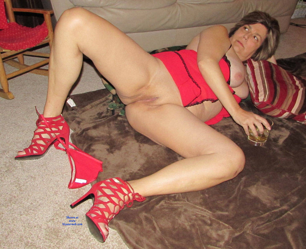 Pic #1Red Hot - Lingerie, High Heels Amateurs, Wife/wives