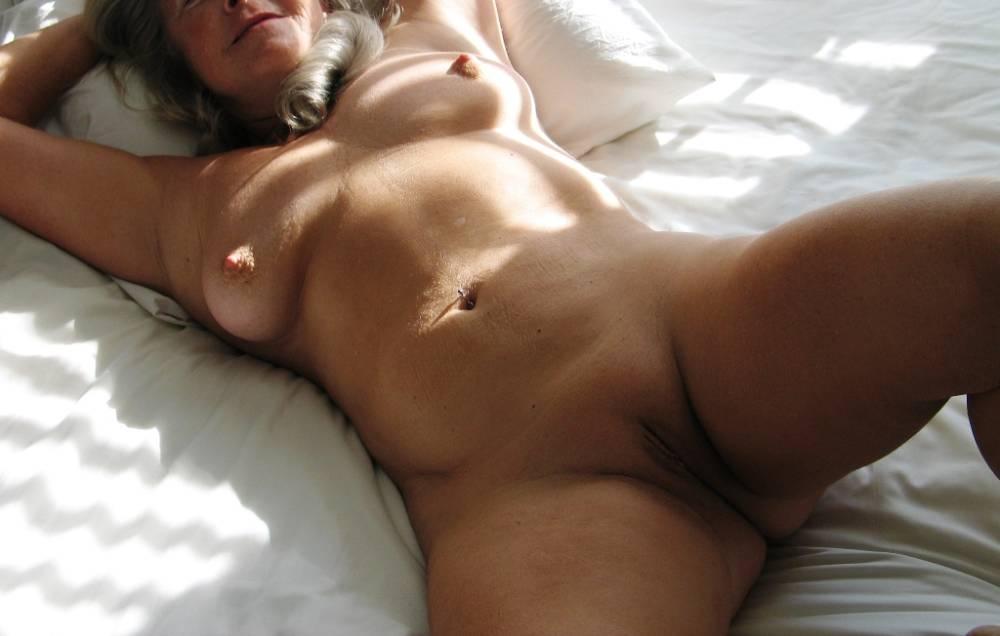Warm Medium Nude Tits HD