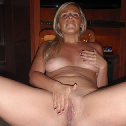 Love Her Body ! - Blonde Hair , Sexy Wife, Horny Girlfriend, Nude Slut, Sexy Babe, Plump Ass