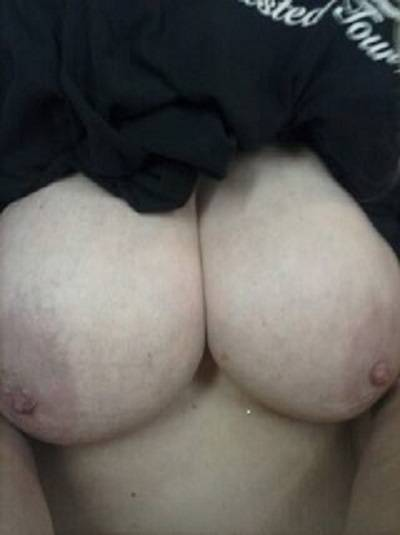 Pic #1Large tits of my girlfriend - anna banana