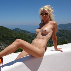 Photos and other amusements Porn star with two penises