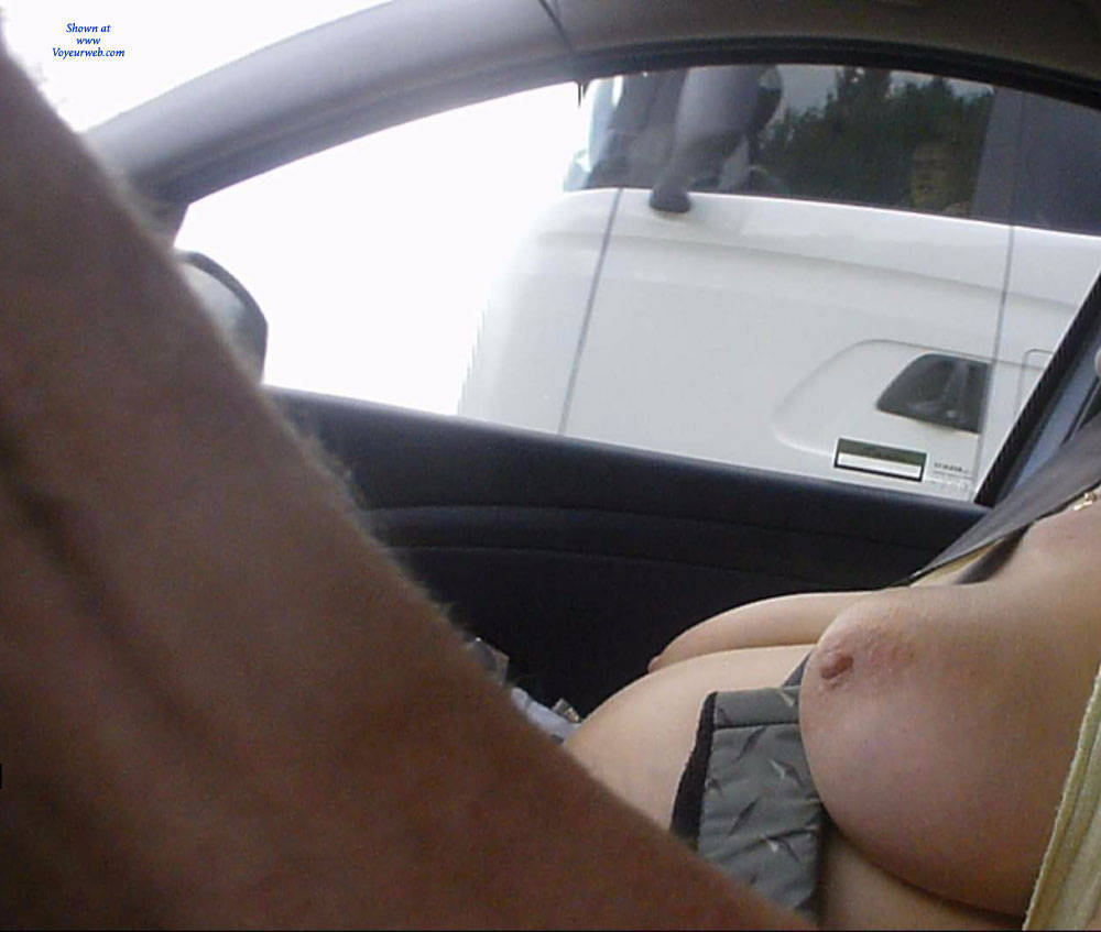 Video of exhibitionist flashing truckers 3