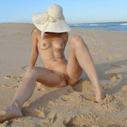 MO3 Posing On The Beach - Brunette Hair, Natural Tits, Perfect Tits, Pussy Lips, Shaved, Beach Voyeur, Sexy Ass , BRUNETTE, SLIM, NATURAL TITS, SHAVED PUSSY, PIERCEING, SEXY