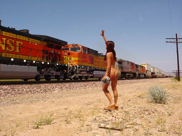 Pic #1Brunette Flashing A Train