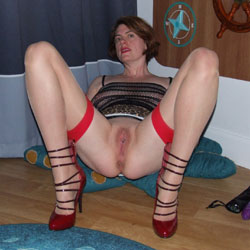 Scarlet Cat Fills Her Holes - Toys, Shaved, High Heels Amateurs, Wife/wives
