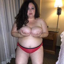 BBW Loves To Show Off - Big Tits, Brunette