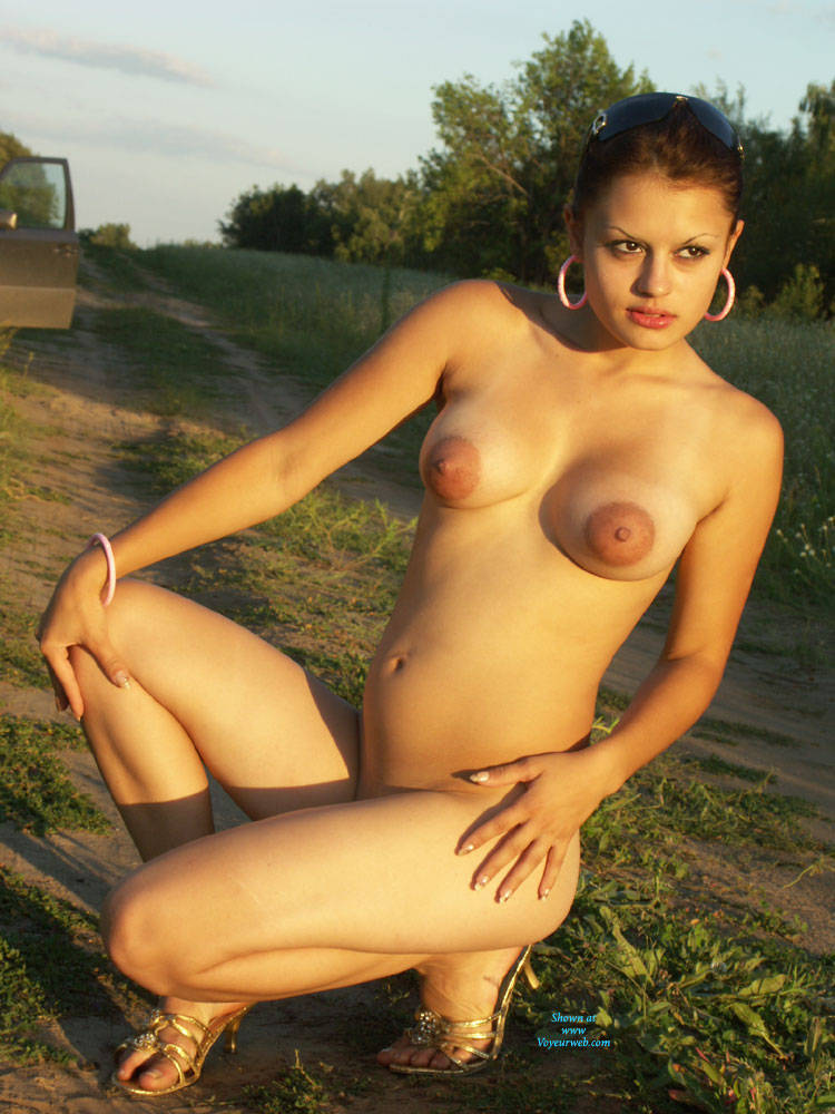 naked outdoors selfie Amateur