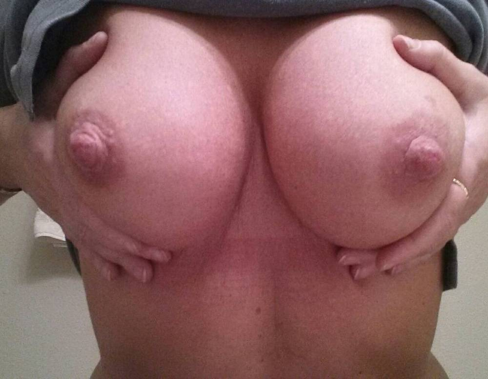 Pic #1Large tits of my girlfriend - althea