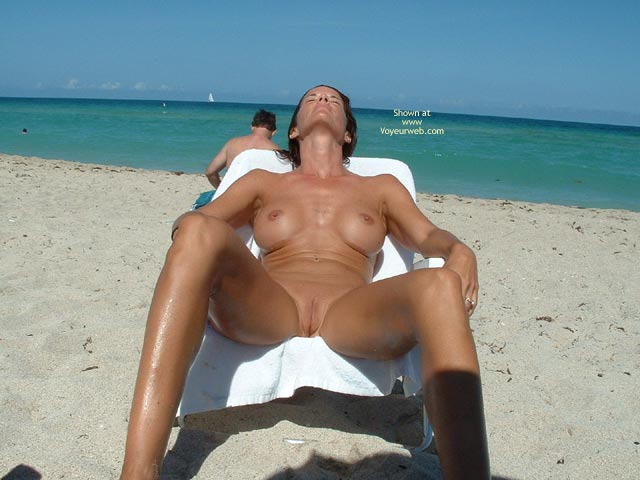 Legs Open - Shaved, Beach Voyeur , Legs Open, Beach, Shaved