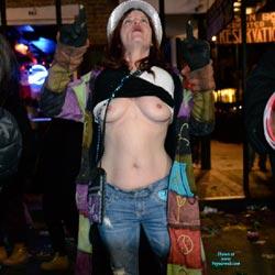 Sexy Bourbon Street Nude Photos