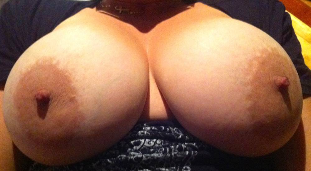 Pic #1Large tits of my girlfriend - Fitty