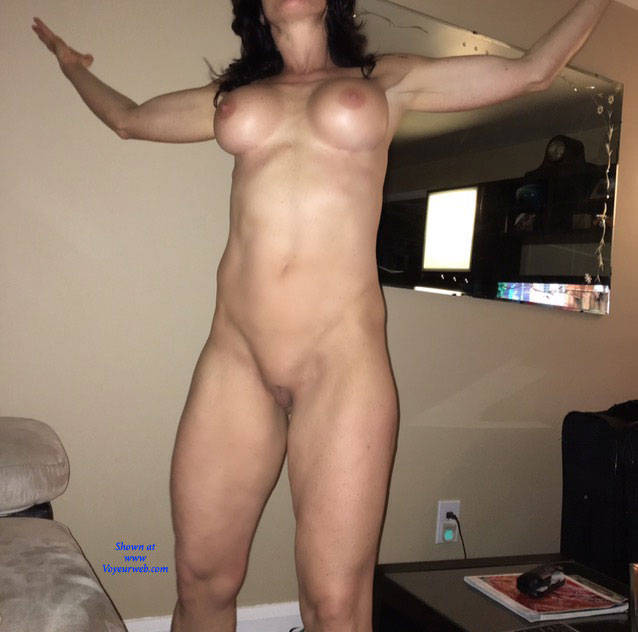 Love this sexy big girl anyone know her name