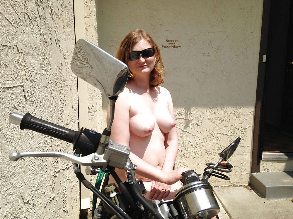 Nude bikers chick blowjobs