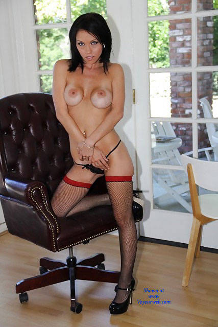 Pic #1Belle In Heels - Big Tits, Brunette, High Heels Amateurs, Lingerie