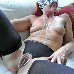 Sexy In Rosettes - Shaved, Wife/wives