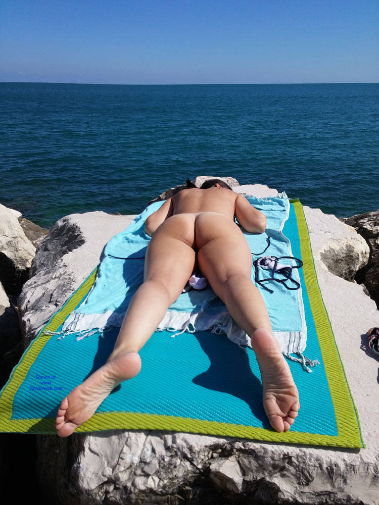 Pic #1End Of Summer - Beach, Firm Ass