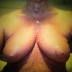 Medium tits of my ex-wife - Juicy