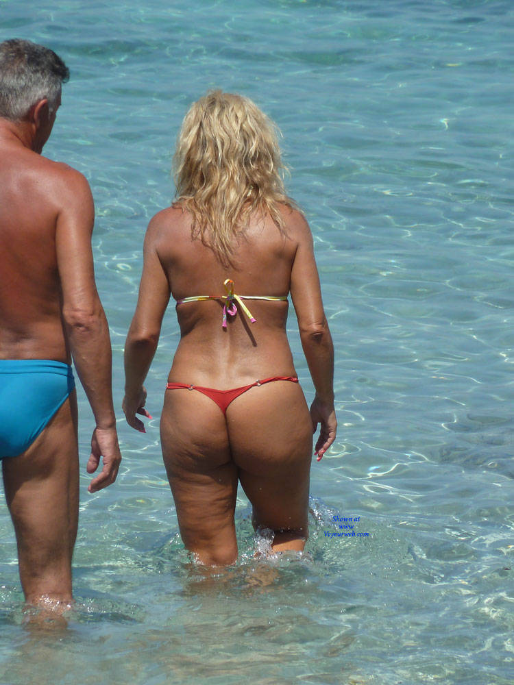 Pic #1Cougar Asses Around The World - Beach Voyeur, Bikini Voyeur, Outdoors