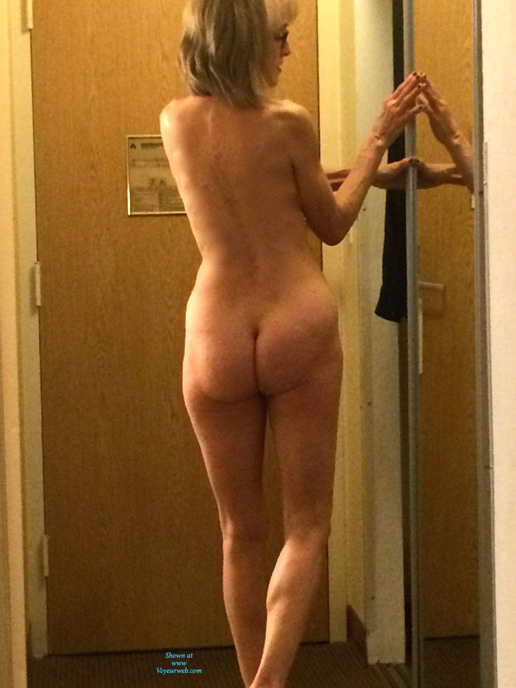 Married naked voyeur woman