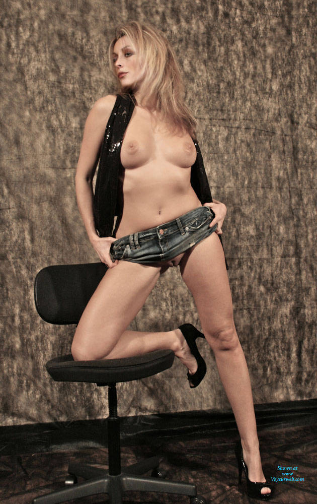 Pic #1Nathalia Playboy Style - Big Tits, Blonde, High Heels Amateurs, Shaved