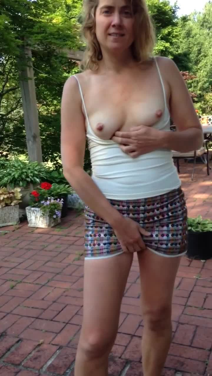 Pic #1Flashing Milf - Shaved, Wife/wives, Outdoors, Close-ups
